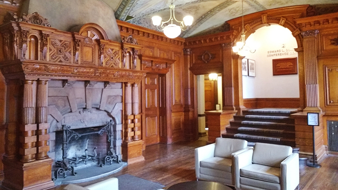 Fireplace Foyer