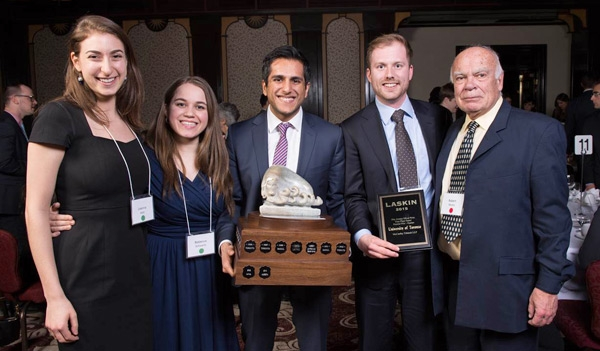 law students win the Laskin Moot for 2015, group shot holding the cup