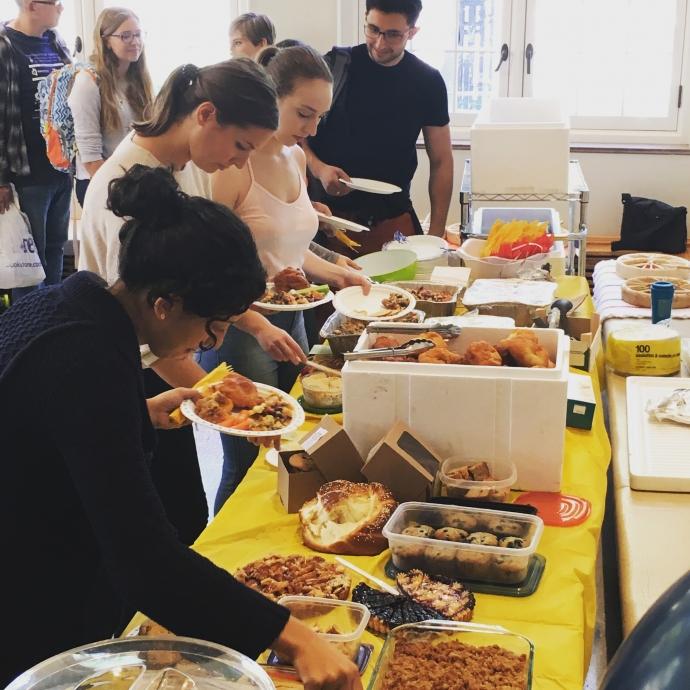 2018 fall feast food table
